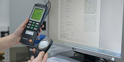 Calibration in the laboratory luminous intensity - Testo Industrial Services
