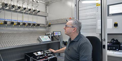 Calibration in the analytic laboratory - Testo Industrial Services